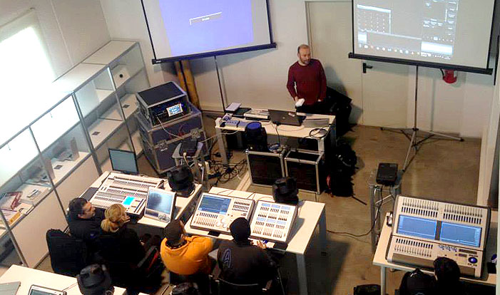 Seminario de formación Avolites en Arcoiris